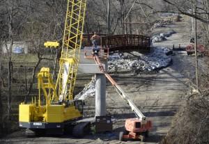 Ri Bridge Installation02